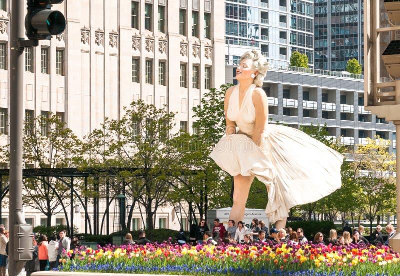 Pour toujours Marilyn Monroe Sculpture le long d'avenue du Michigan images libres de droits