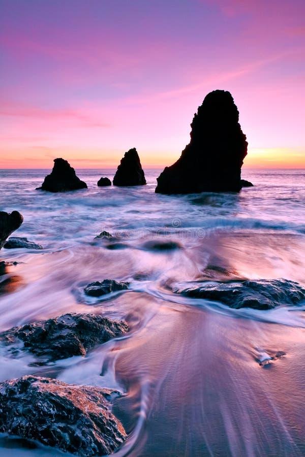 Pour toujours roches, plage de rodéo photo stock