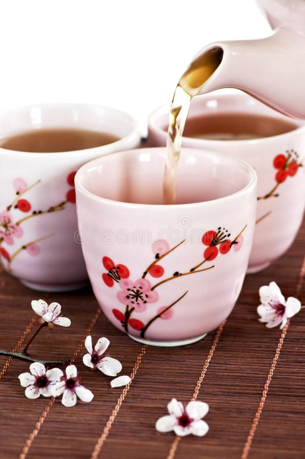 Free Pouring Green Tea Royalty Free Stock Photography - 10263267