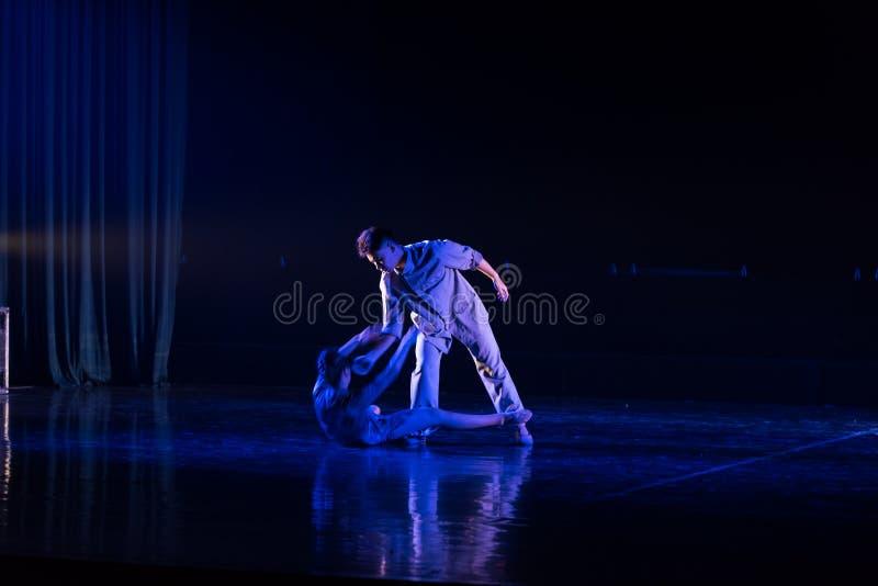 Poursuite de 2 légers--Âne de drame de danse obtenir l'eau photographie stock
