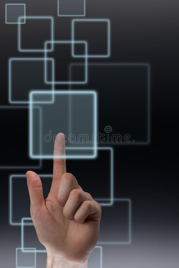 Poussée d'un bouton sur l'écran tactile photographie stock libre de droits