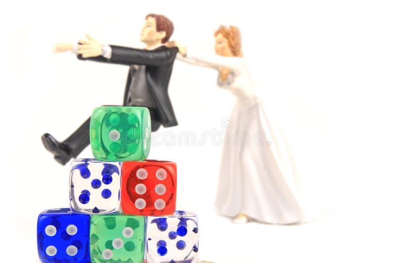 Pousse de merde de mariage images stock