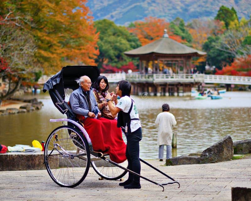 Pousse-pousse à Nara, Japon photos stock
