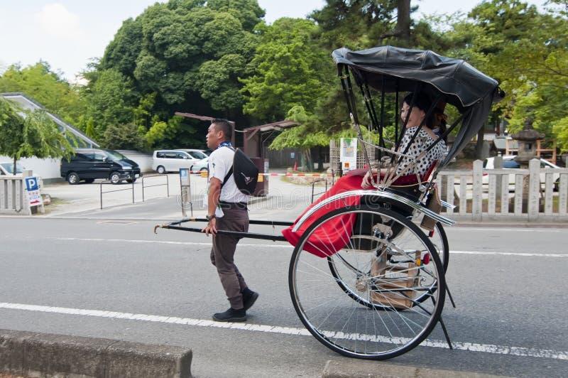 Pousse-pousse, transport de Japonais image stock