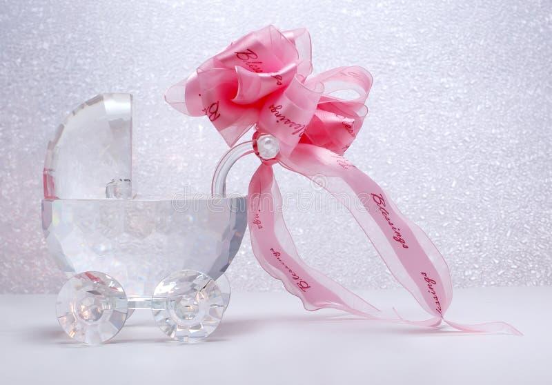 Poussette en cristal nouveau-née avec la proue de bande photo stock