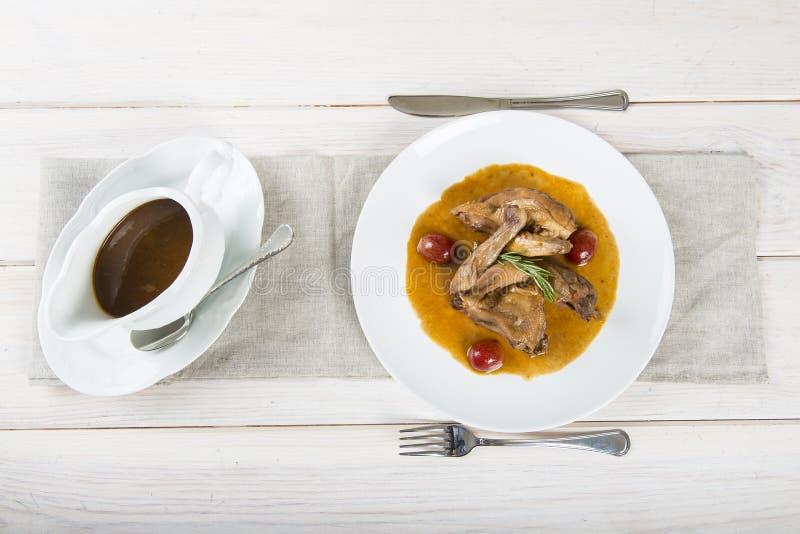 Poussin с соусом виноградин стоковое изображение rf