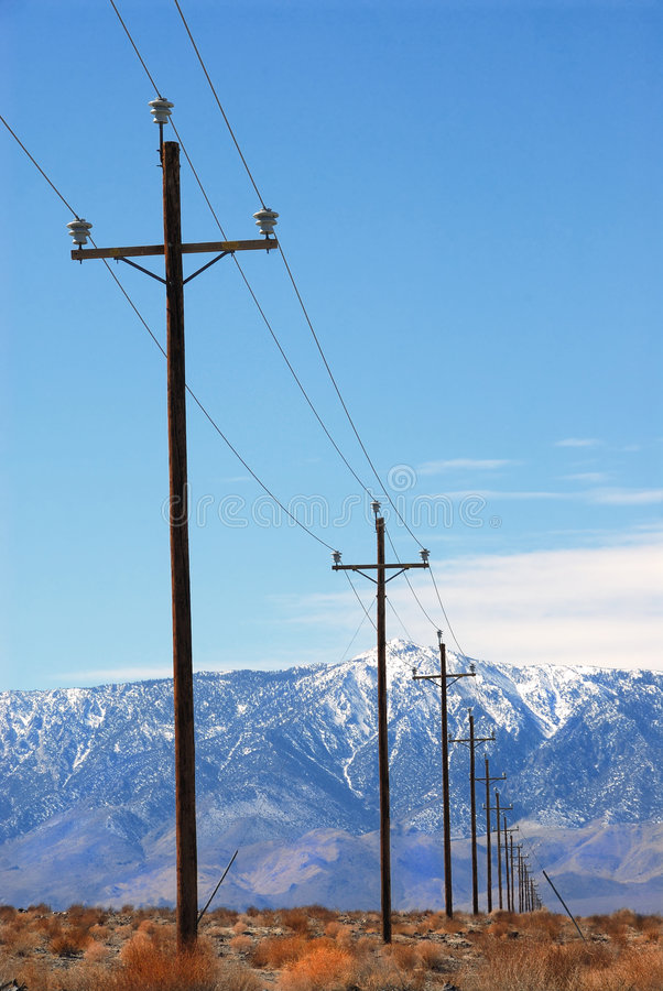 Download Pouvoir Pôles Death Valley photo stock. Image du froid - 2139440
