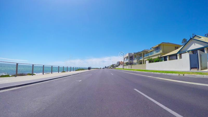 POV οχημάτων οδήγηση κατά μήκος Esplanade, παραλία Henley, Νότια Αυστραλία στοκ εικόνα