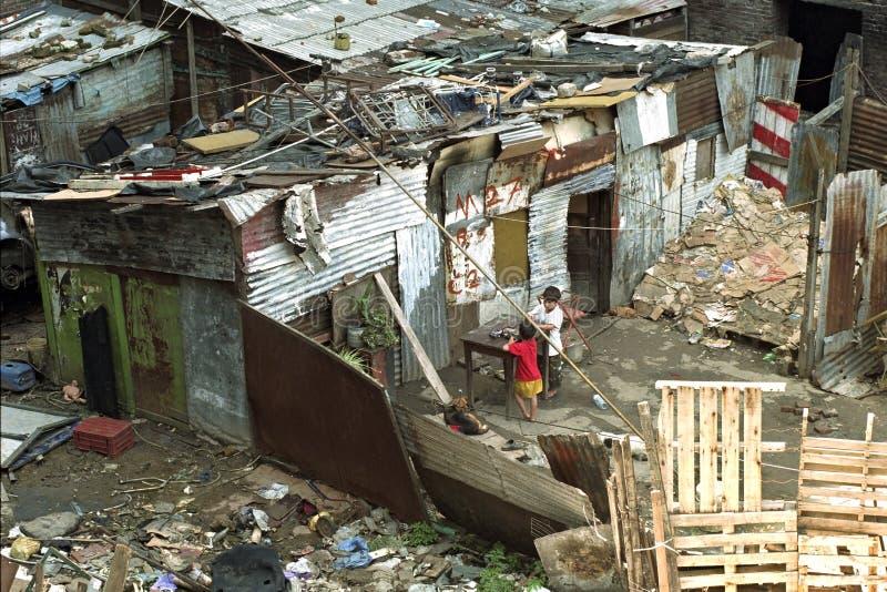 Povertà pura dell'Argentina in bassifondi a Buenos Aires immagini stock