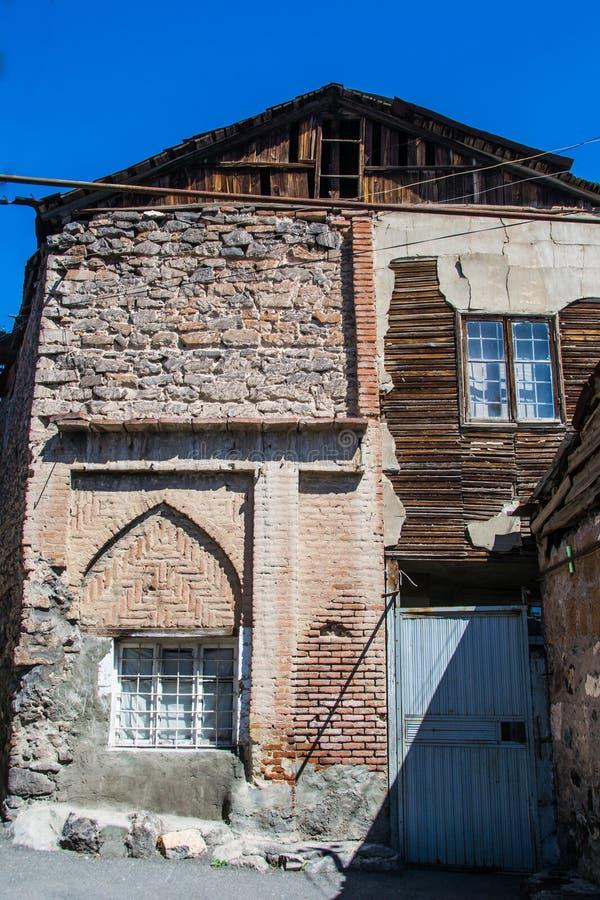Poverty-stricken κατοικία στην αστική περιοχή για φτωχό Jerevan, Αρμενία στοκ εικόνα