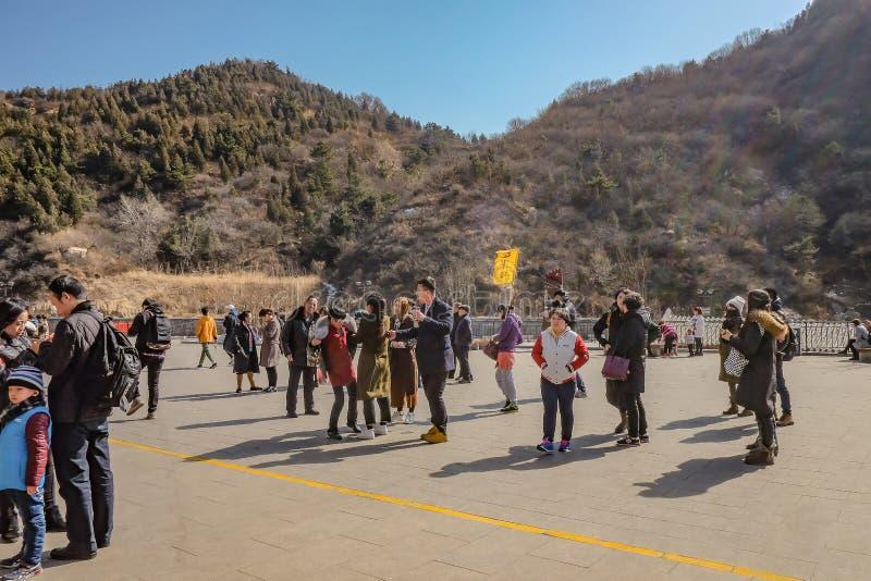 Povo chinês ou turista Unacquainted que andam no Grande Muralha de China na cidade do Pequim Grande Muralha de China uma das 7 ma fotos de stock