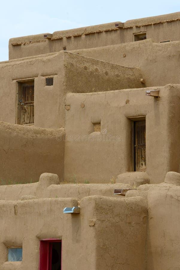 Povoado indígeno de Taos fotos de stock