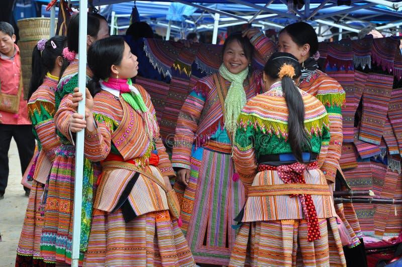 Povos da minoria de Hmong no vestido tradicional Pa do Sa, Viet do norte fotos de stock royalty free
