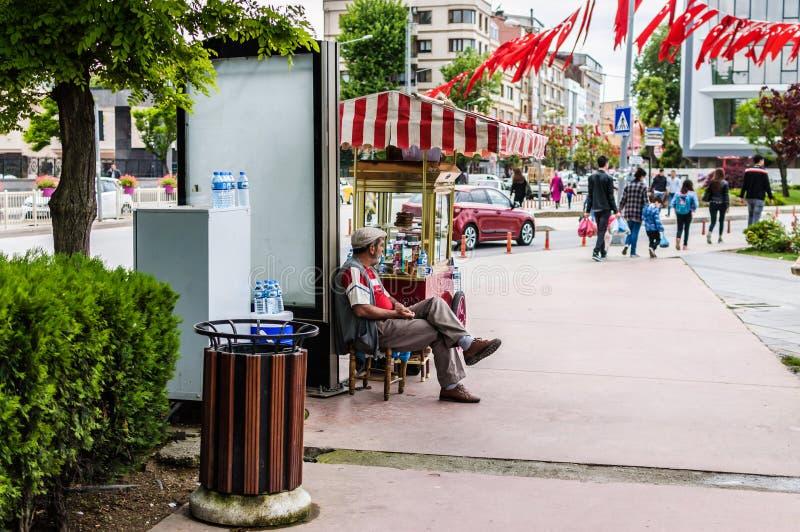 Povos diários nas ruas da cidade de Yalova - Turquia fotografia de stock