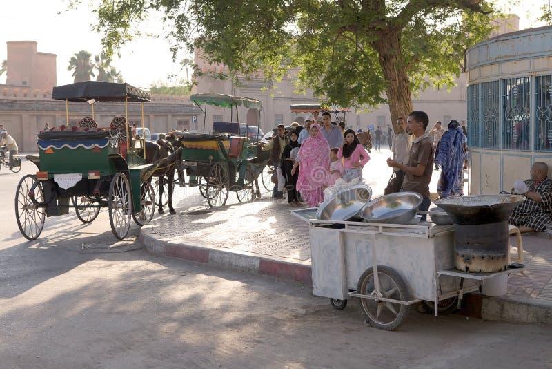 Povos e vendedor ambulante imagens de stock