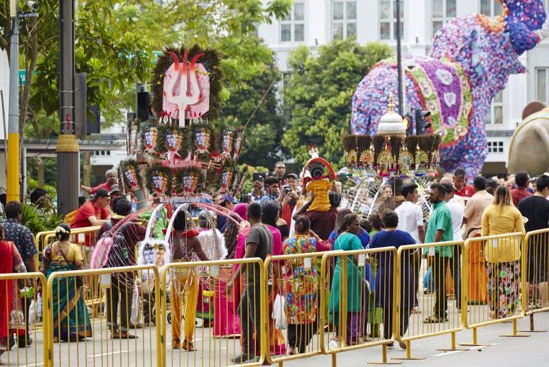 Povos em pouca cidade da Índia, Singapura fotos de stock royalty free