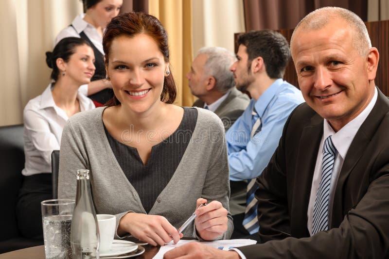 Povos executivos da reunião de negócio no restaurante fotografia de stock royalty free