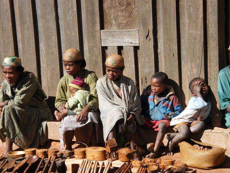 Povos malgaxes nativos da vila imagens de stock