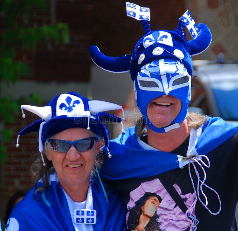 Povos não identificados que comemoram o feriado nacional do ` s de Quebeque imagens de stock royalty free