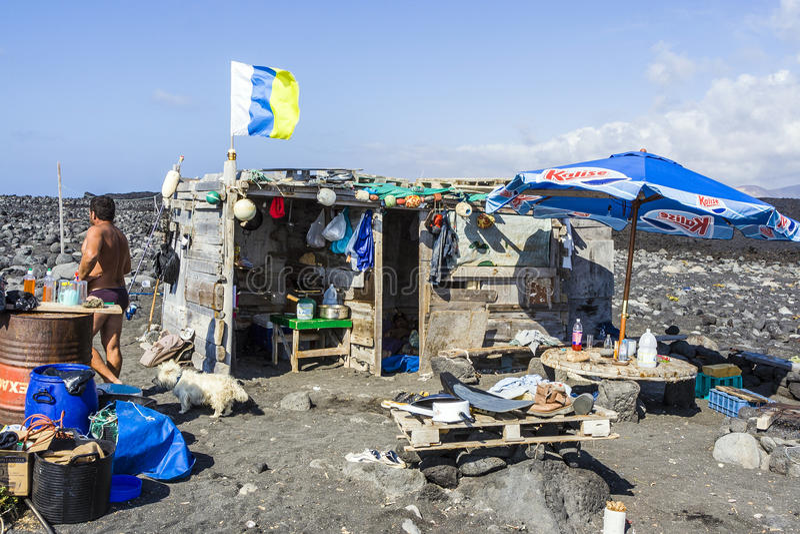 Povos na cabana dos shermans em vulcânico fotografia de stock