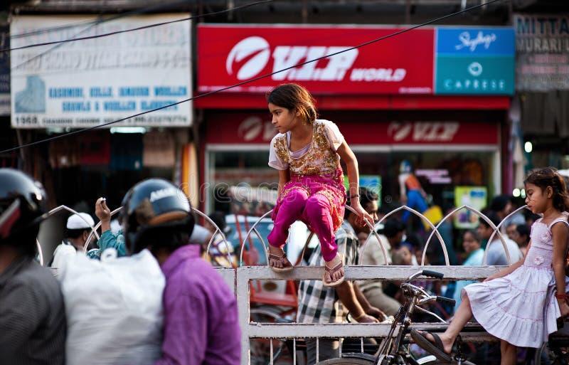 Povos nas ruas de India fotografia de stock royalty free