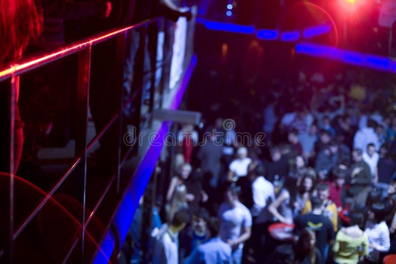 Povos no clube de noite foto de stock