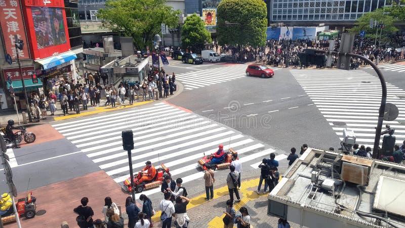 Povos que andam na ?rea de Shibuya, T?quio, Jap?o imagens de stock