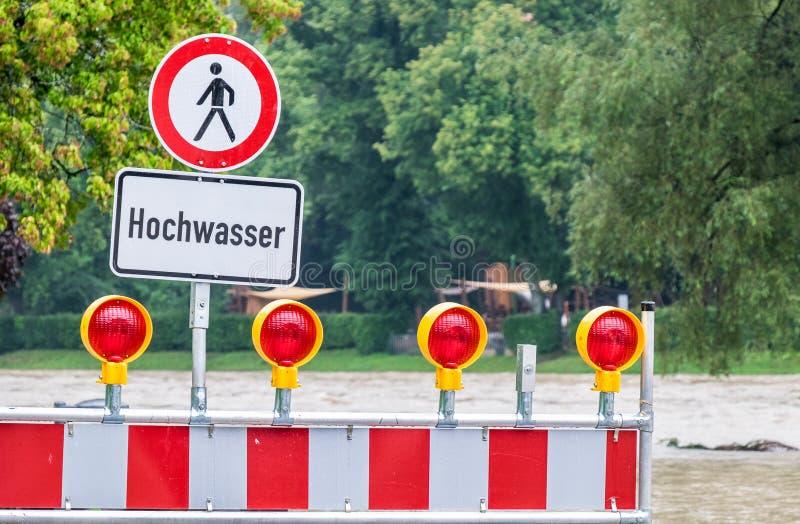 Powódź znak ostrzegawczy obrazy royalty free