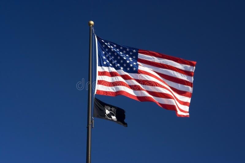 pow mia американских флагов стоковое фото rf