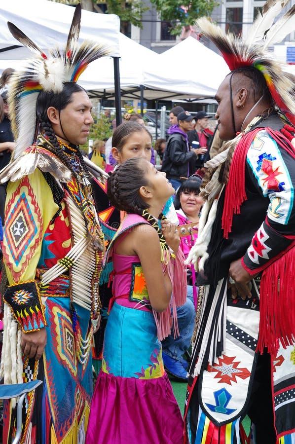Pow-wow, μια συλλογή των αυτόμόνων λαών στοκ φωτογραφία