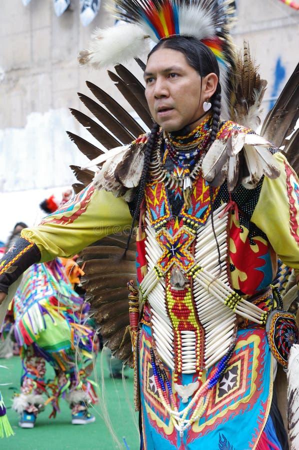 Pow-wow χορευτής των φυλών πεδιάδων του Καναδά στοκ φωτογραφίες με δικαίωμα ελεύθερης χρήσης
