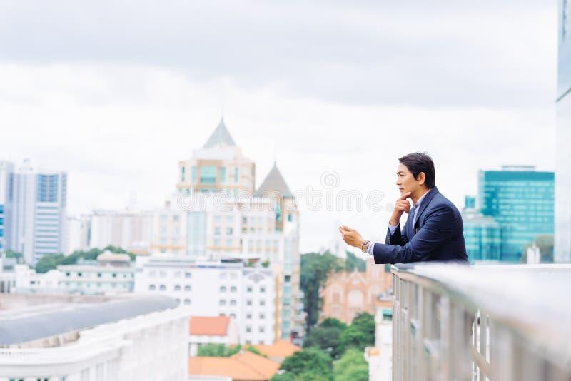 poważny biznesmen fotografia royalty free