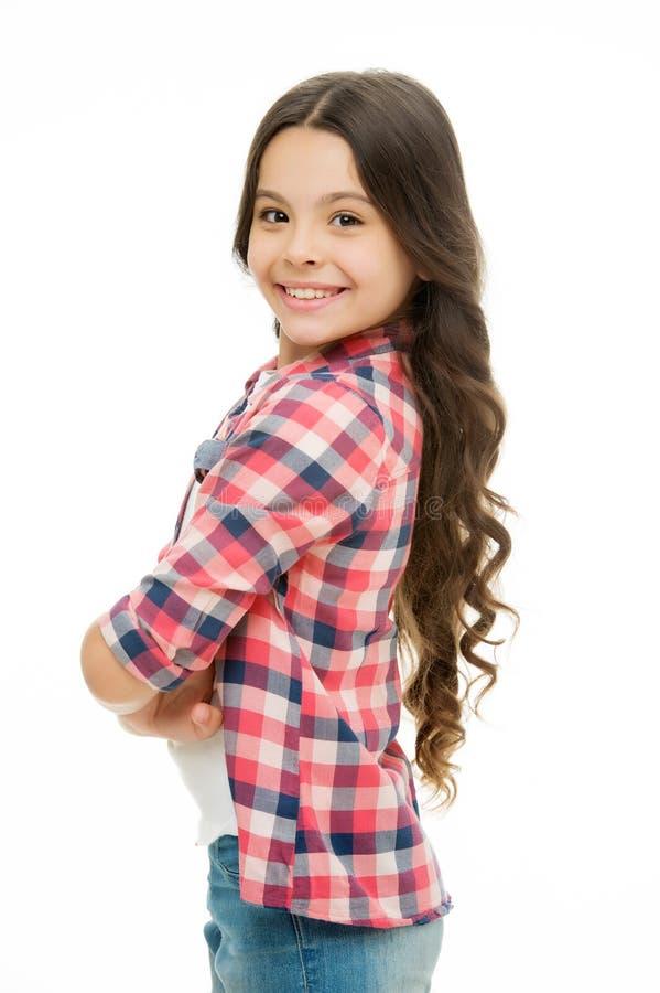 powabny cutie Dzieciak dziewczyny długi kędzierzawy włosy pozuje rozochocony szczęśliwego Dziewczyny kędzierzawej fryzury urocza  obraz stock