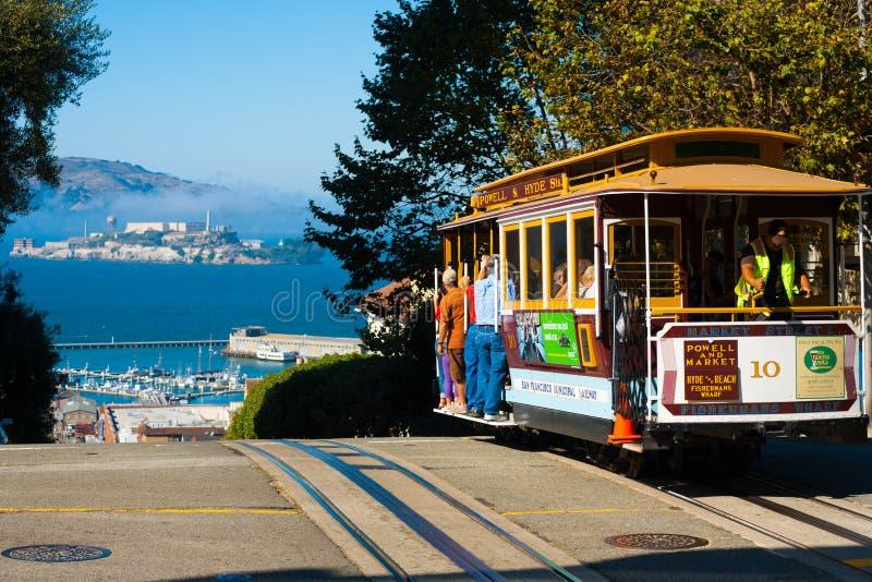 Powell Hyde kabelbil Alcatraz San Francisco royaltyfri fotografi