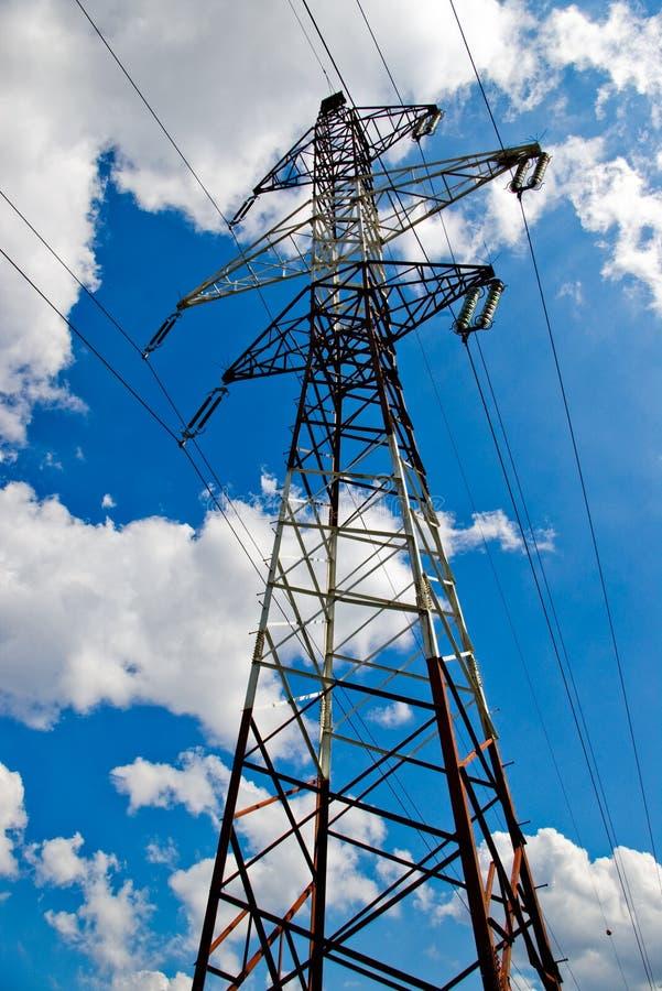 Power-lines ad alta tensione fotografia stock