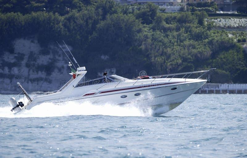 powerboat τρέχοντας στοκ εικόνα