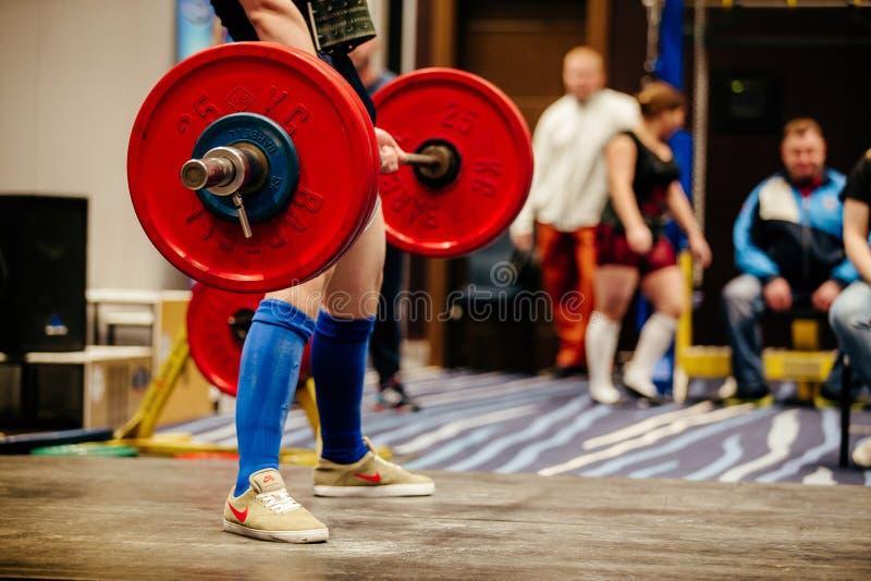 powerlifter运动员锻炼deadlift 免版税库存照片