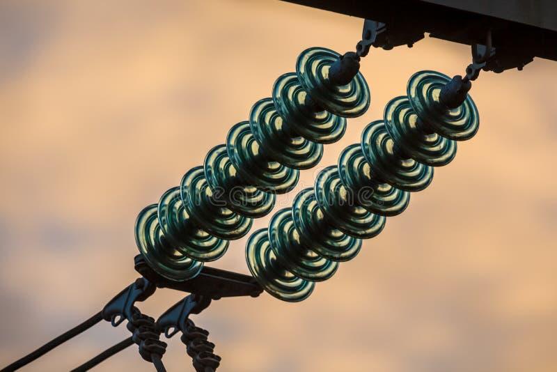 Powerline isolatieschijven stock foto
