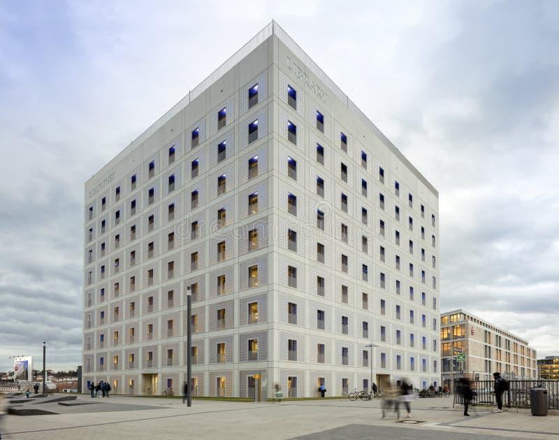 Powierzchowność futurystyczna biblioteka w bielu fotografia royalty free