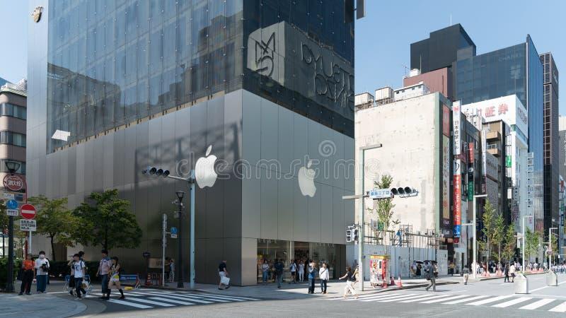 Powierzchowność Jabłczany sklep w Ginza, ekskluzywny zakupy okręg w Tokio Japonia obraz royalty free