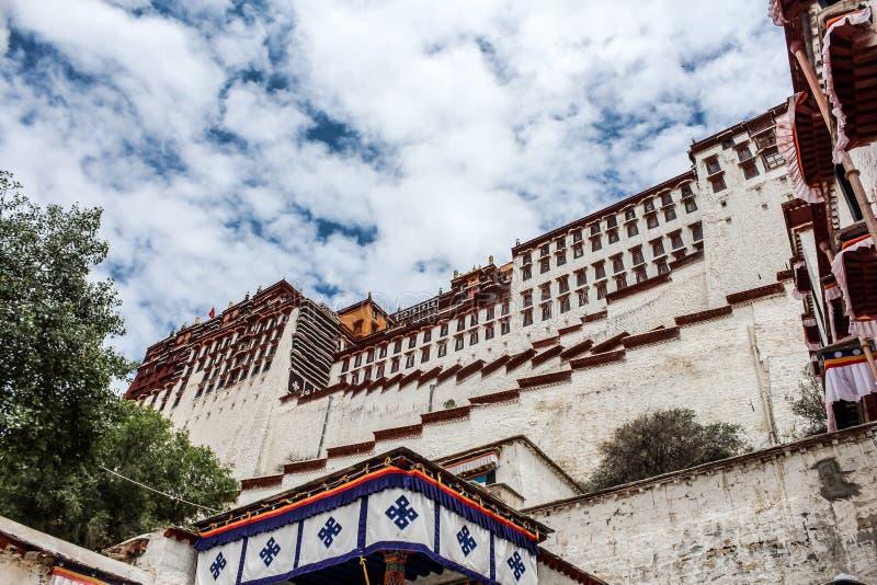 Powierzchowność Potala pałac w Tybet obrazy stock