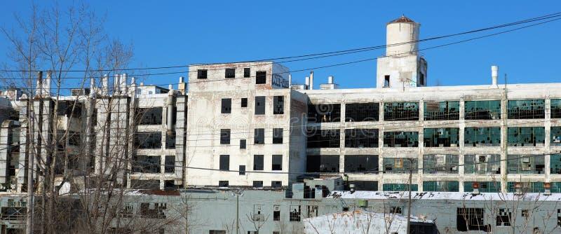 Powierzchowność rujnujący zaniechany budynek w Detroit fotografia royalty free