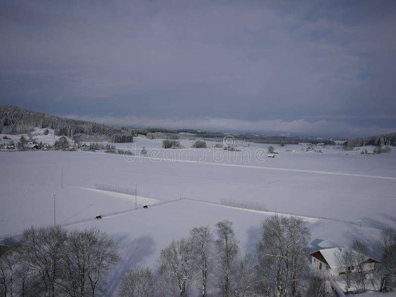 Powietrzna fotografia wioska w zimie obraz stock