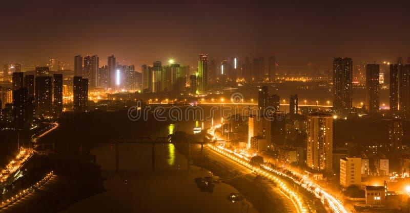 Powietrzna noc widoku panorama Han rzeka w Wuhan Chiny obraz stock