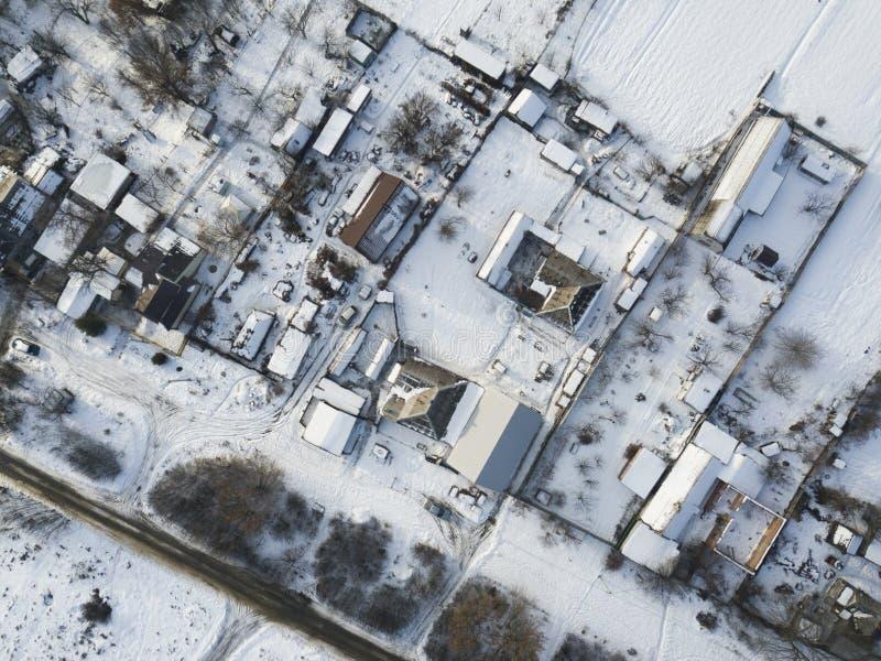 Powietrzna panorama - mali domy i ?nieg zdjęcie royalty free