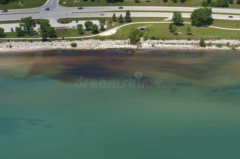 powietrzna target2643_0_ zanieczyszczenia źródła widok woda zdjęcie stock