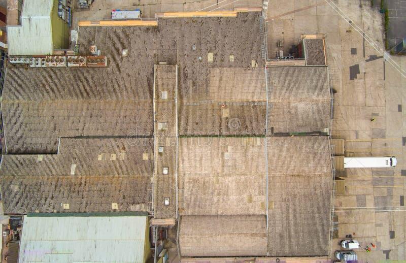 Powietrzna trutnia dachu inspekcja obrazy stock