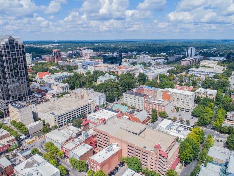 Powietrznego trutnia ` s oka Ptasi widok miasto Raleigh, NC zdjęcia stock