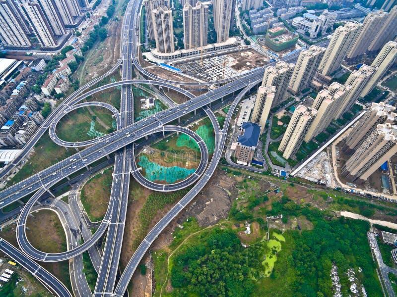 Powietrznej fotografii oka widok miasto wiaduktu mosta drogi lan obraz royalty free