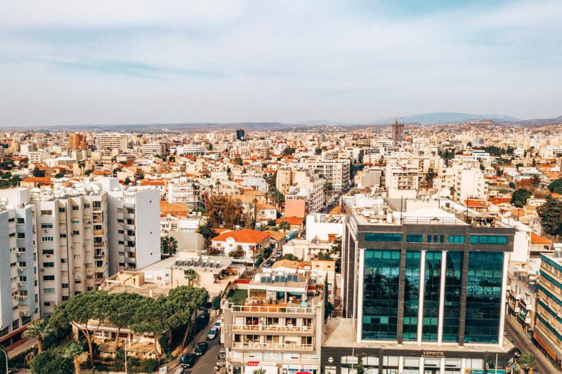 Powietrzny duża wysokość widok ikonowy izolujący kapitał, Nikozja w Cypr obraz stock